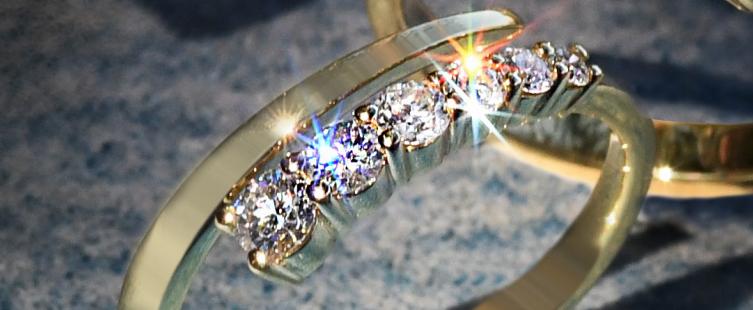 Simon G diamond gold ring