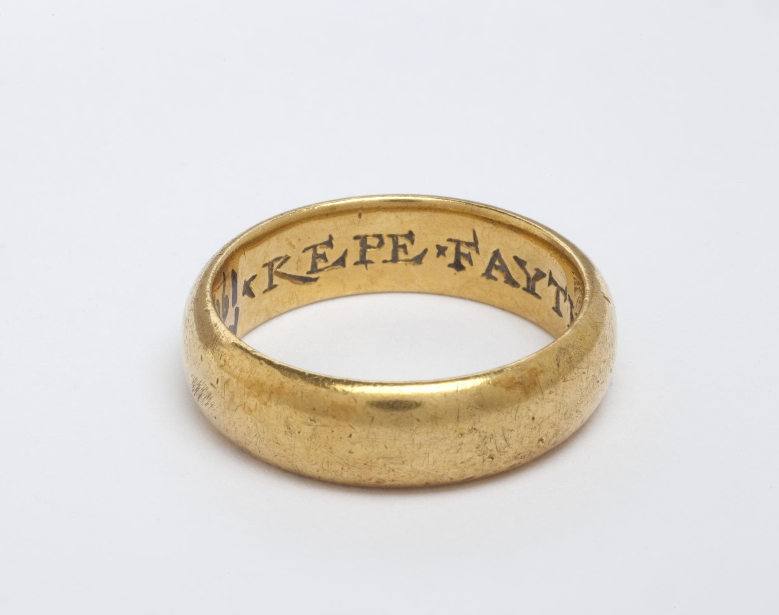 gold engraved posy ring